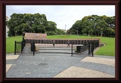 Monumento a los cíados en malvinas - Die Gedenkstätte für die Gefallenen des Falkland-Krieges