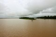 Mündung des Rio Panapuã (rechts) in den Rio Aranapu (links)