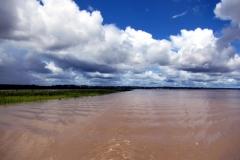 Rio Solimoes an der Mündung des Rio Tonantins bei Bradesco