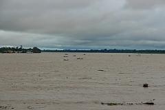 Reger Bootsverkehr über die Grenze