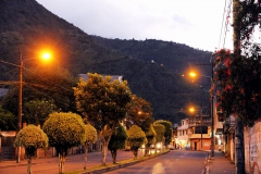 Baños am Abend - Blick zur Virgen de Agua Santa