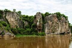 Kalkfelsen am Ufer des Río Paraguay