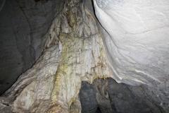 In einer Tropfsteinhöhle bei Vallemi