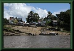 Siedlung am Amazonas-Ufer