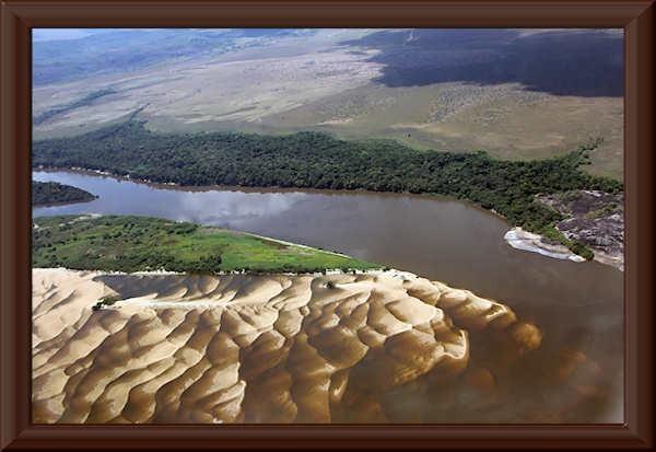 Río Orinoco bei Puerto Ayacucho