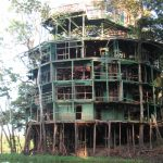 Ruine der Amazon Tower Lodge